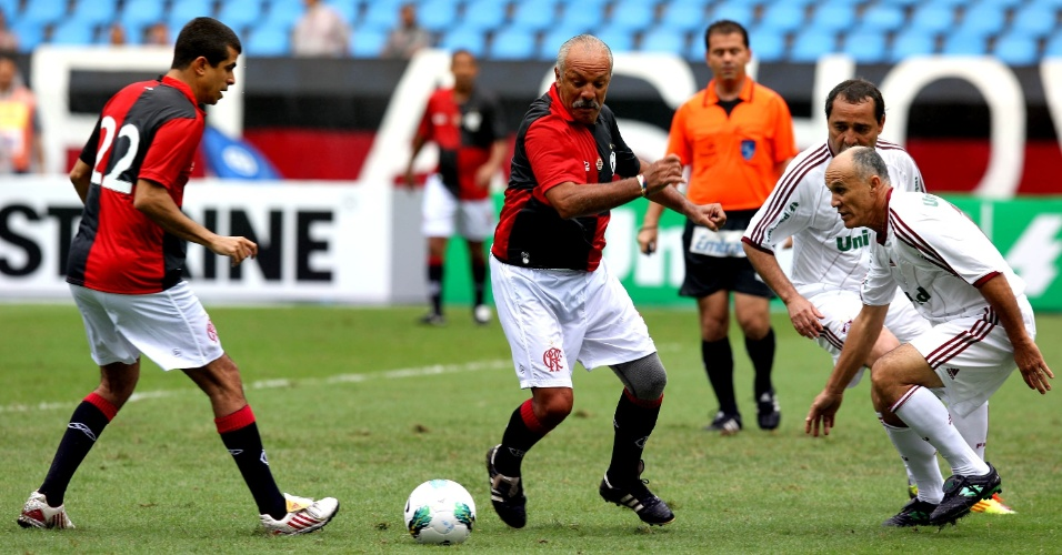 100anos_fla_x_Flu_partida comemorativa preliminar_Júlio César Guimarães_UOL Esporte