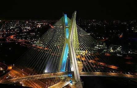 Ponte_Estaiada_Iluminada